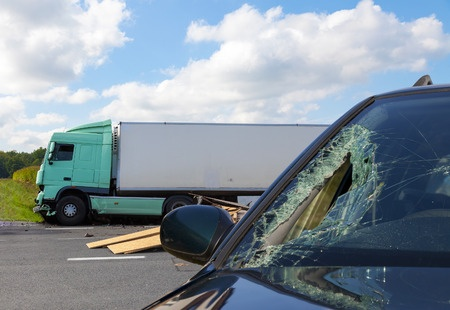 What to Do After an 18-Wheeler Wreck